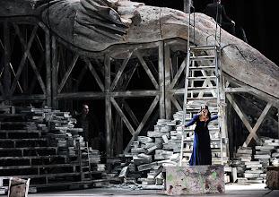 Photo: Theater an der Wien: MATHIS, DER MALER von Paul Hindemith. Premiere 12.12.2012, Inszenierung: Keith Warner. Manuela Uhl. Foto: Barbara Zeininger.
