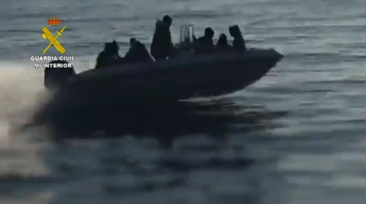 Los 'otros afganos' buscan refugio en Almería a través de la ruta argelina
