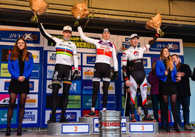 """Geen grootspraak bij Van der Poel: """"Als Wout wereldkampioen wordt, zijn deze crossen snel vergeten"""""""