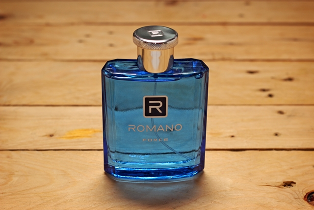 Minyak wangi Romano Force