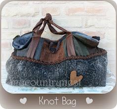 Photo: knot bag cartamodello esclusivo, disponibile, per info chiara@mycountrynest.org