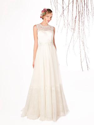 Robe de mariée Eloge, sans manches en dentelle fine et tulle avec beaucoup de fluidité et une coupe qui affine la silhouette
