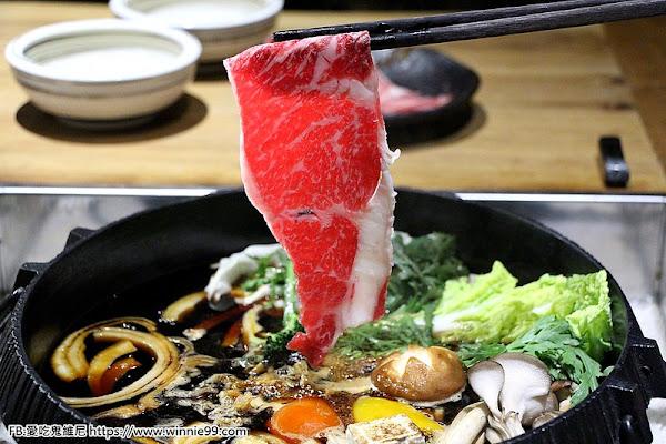 暮藏和牛鍋物。台中頂級高檔和牛海鮮火鍋,2019新推出的壽喜燒,引進日本正統壽喜燒吃法,滑蛋蓋飯。 日本頂級A5和牛用壽喜燒的方式最對味!