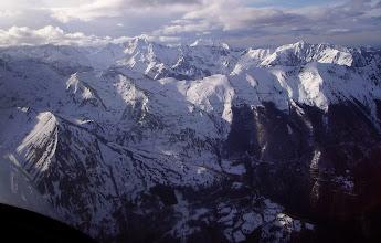 Photo: Vision aérienne générale sur le domaine de ski de la station de Luz-Ardiden