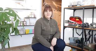 Minerva G. Ibáñez en su estudio fotográfico.