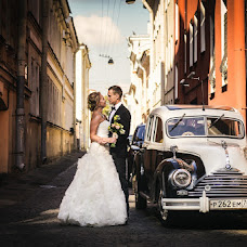 Wedding photographer Aleksandr Popov (apopov77). Photo of 17.09.2013