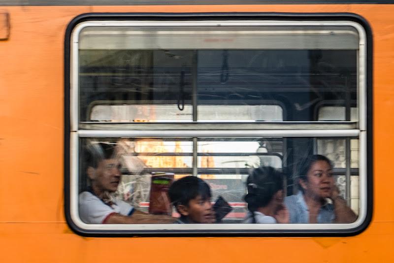 Meraviglie al finestrino del tram di Sergio Locatelli