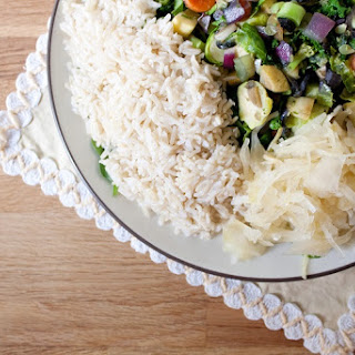 Vegetable Stir-fry with Brown Rice and Sauerkraut