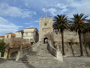 Photo: Many parts of the old town date from the 13th to the 15th century.  The Land Gate entrance was constructed in 1391.