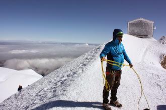 Photo: Vallot, krótki rest na kabanosa po zejściu ze szczytu.