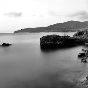 Serenity by Rizal Amir - Landscapes Waterscapes ( black & white, kerandangan, lombok, beach, landscape )