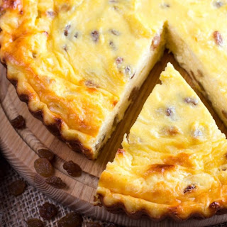 Cottage Cheese and Raisin Pie Recipe
