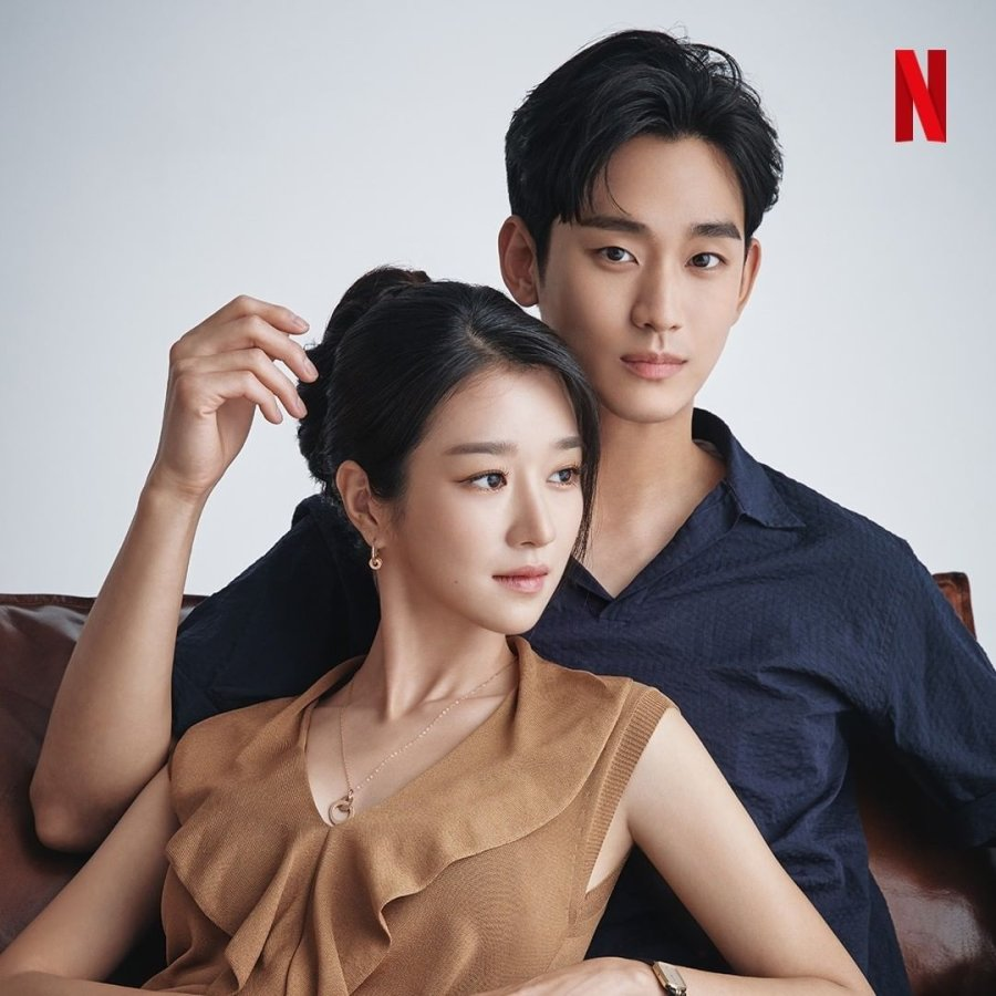 its-okay-to-not-be-okay-stars-kim-soo-hyun-and-seo-ye-jis-interview-compilation