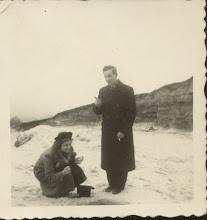 Photo: Zima w Brzozdowcach. Na zdjęciu Stanisława Dąbrowska.