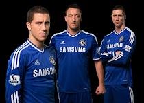 3 mannen in blauwe sportkleding