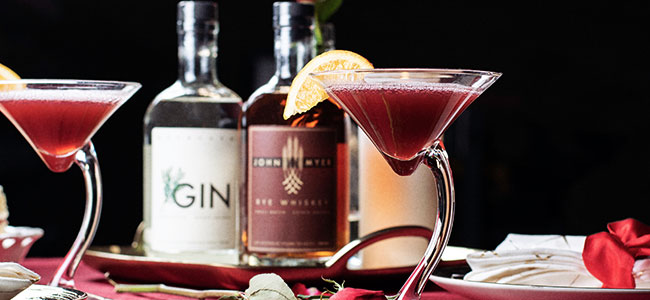 Set the Mood With Valentine's Day Cocktails