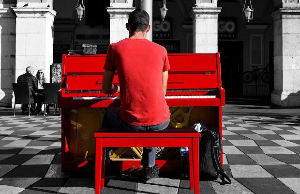 La musica non ha colore .