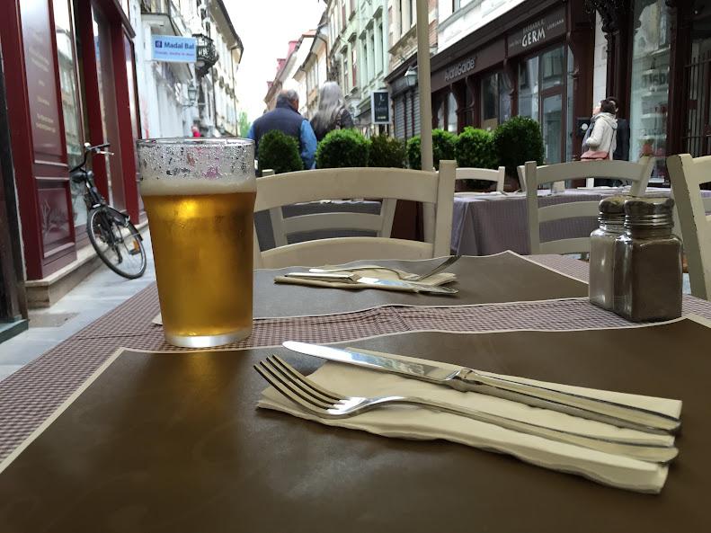 リュブリャナ旧市街 ビール