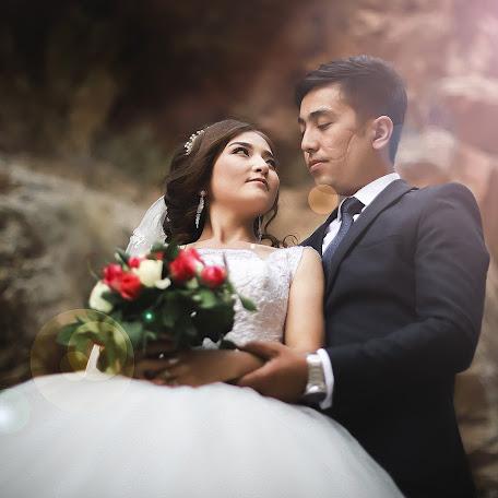 Fotógrafo de bodas Nurbek Akhunbaev (Onlineprofi). Foto del 08.12.2017