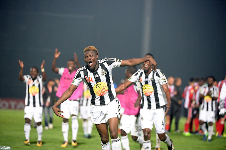 TP Mazembe's the players celebrate the final qualificationSylvain Gbohouo celebrate the final qualification during the semi-final of the 2017 Confederations Cup match between FATH Union Sport and TP Mazembe in Rabat on 21 October 2017.
