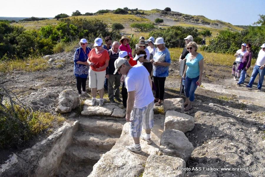 Экскурсия по археологическим раскопкам и пещерам Иудейских гор. Хирват Бургин. Гид в Израиле Светлана Фиалкова.