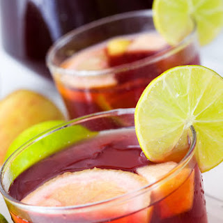 Easy Sangria Recipe - Homemade Spanish Red Wine Sangria.