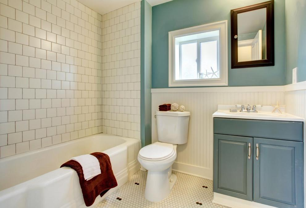 http://streaming.yayimages.com/images/photographer/iriana88w/255cafc06e65f506f48ae69430b58538/new-remodeled-blue-bathroom-with-classic-white-tile.jpg