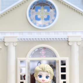 Frozen #2 by Timmothy Tjandra - Artistic Objects Toys ( canon, girls, girl, toy, toys, frozen, cute, anime, bokeh )