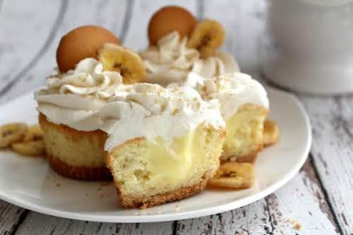 "Banana Cream Pie Cupcakes""Banana Cream Pie... cupcake style! These cupcakes are loaded..."