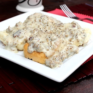 Sausage Gravy and Biscuits Recipe