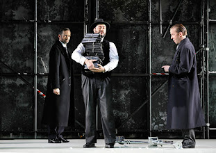 Photo: Theater an der Wien: La mère coupable Oper in drei Akten von Darius Milhaud . Premiere am 8.5.2015. Markus Butter, Aris Agiris, Stephane Loges. Copyright: Barbara Zeininger