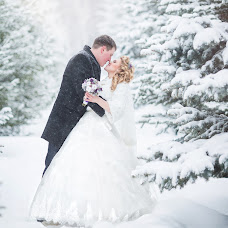 Wedding photographer Stanislav Uvarov (StasUvarov). Photo of 24.02.2015