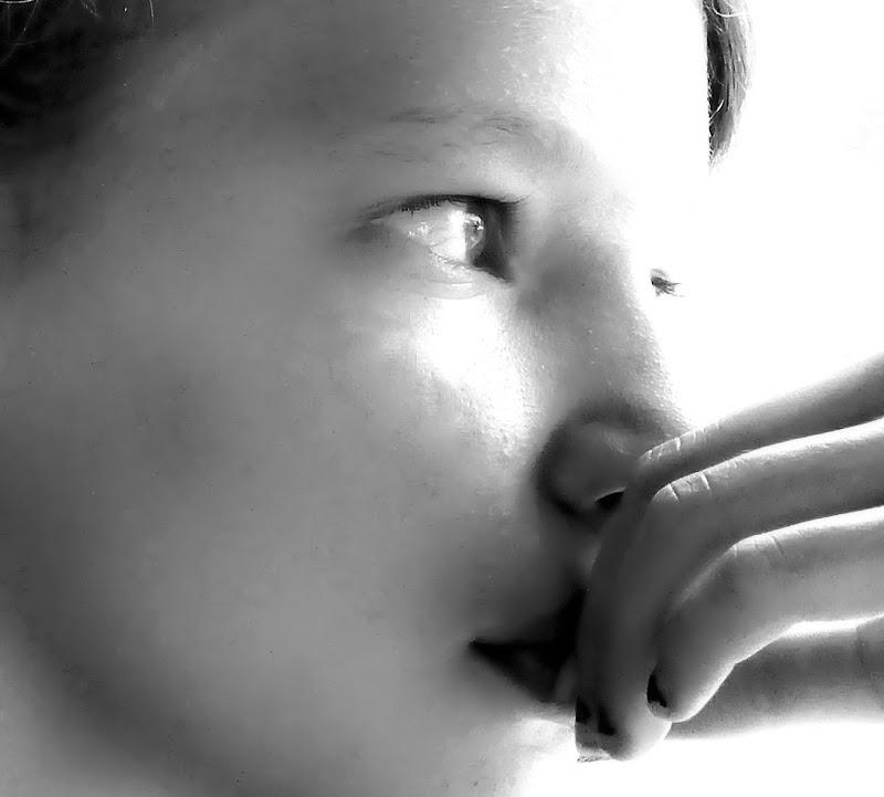 Laura ed i suoi pensieri nascosti. di francesco_abate