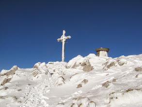 Photo: Na južni strani pa več snega kot v smeri.