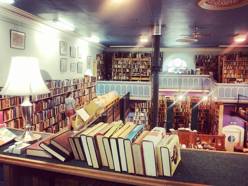 Library... di Francesca Malavasi