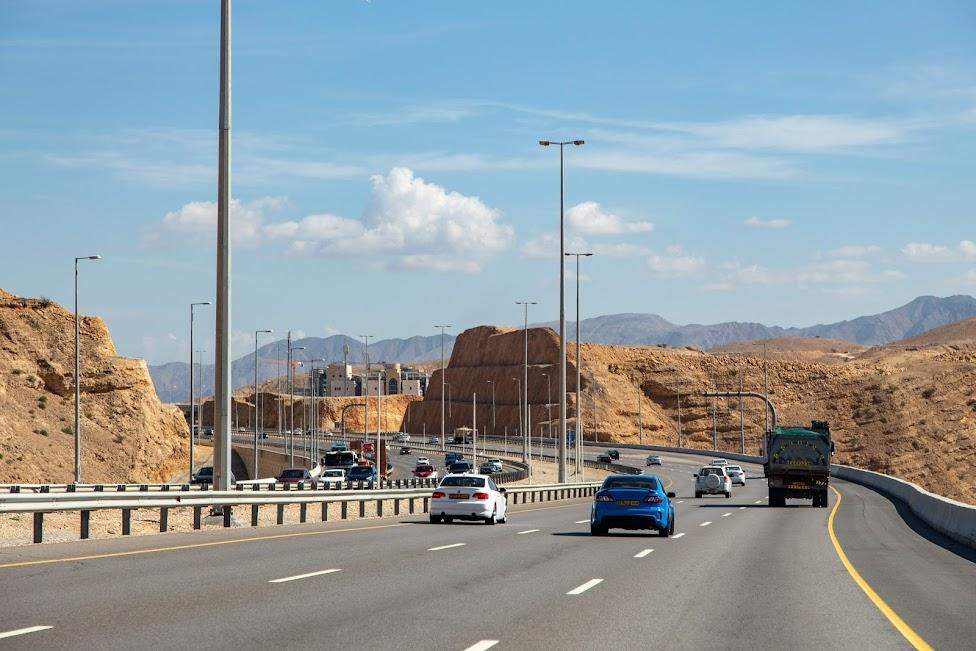 samochodem po Omanie, autostrada