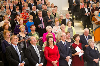 Photo: Tilaisuuden kruunasi F. E. Sillanpään Marssilaulu, jonka kaikki lauloivat seisten Waltteri Torikan johdolla.