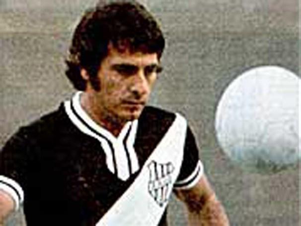 Com 22 anos no título de 1969, Dicá é o maior artilheiro e grande ídolo da história da Ponte