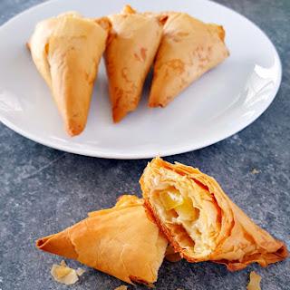 Envy Apple Brie Triangles #FreshTastyValentine
