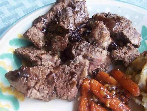Steak With Shallot-red Wine Sauce
