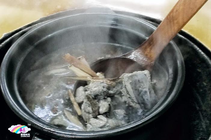 斗六-古味烘爐羊雞城 , 吃雞還是羊? 「燉羊肉」和「燉烏骨雞」選一個