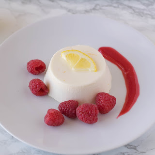 Lemon Panna Cotta With Raspberry Sauce