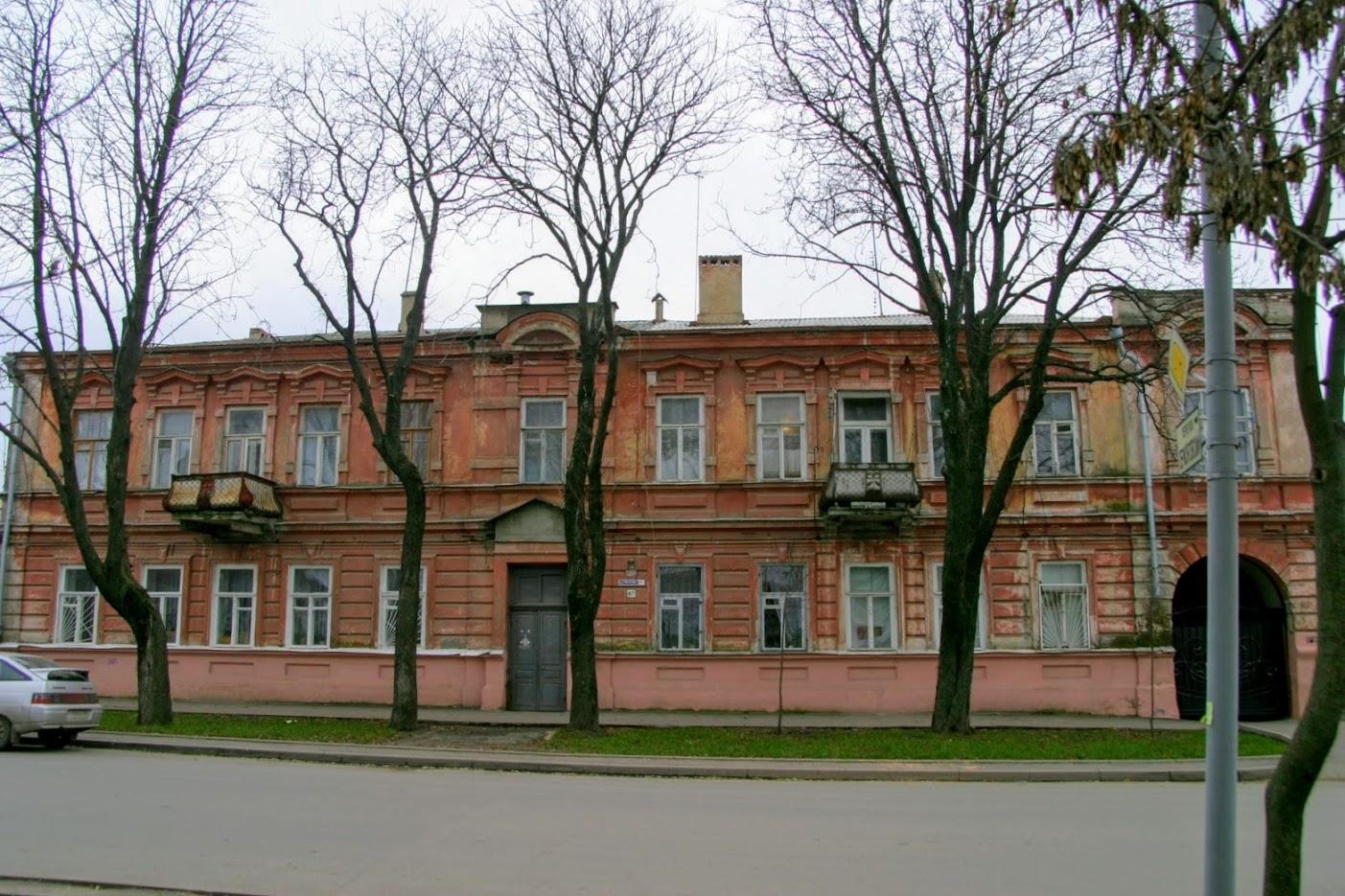 https://sites.google.com/site/istoriceskijtaganrog/cehova-ulica/dom-97
