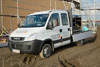 Photo: 05-11-2012 © ervanofoto De aannemer uit Vorarlberg (Oostenrijk) is aangekomen. De bouw kan beginnen.