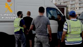 Detención de las personas presuntamente involucradas en el robo y venta.