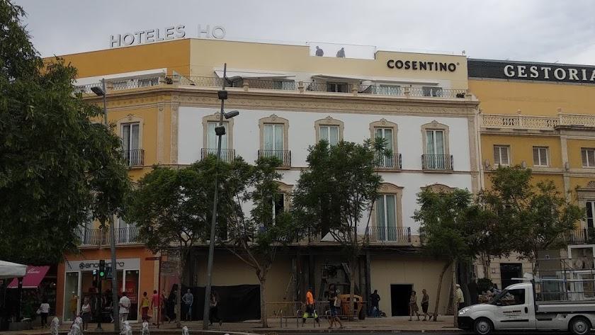 Coincidiendo con el inicio de la Feria, este viernes abre una nueva terraza.