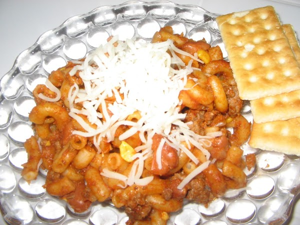 Serve on wheat bun;Butter bottom bun add macaroni mixture; top with some cheese,spread chipolte...