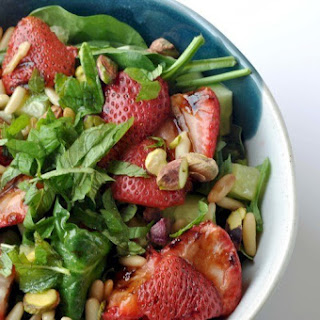 Grilled Balsamic Strawberry Salad