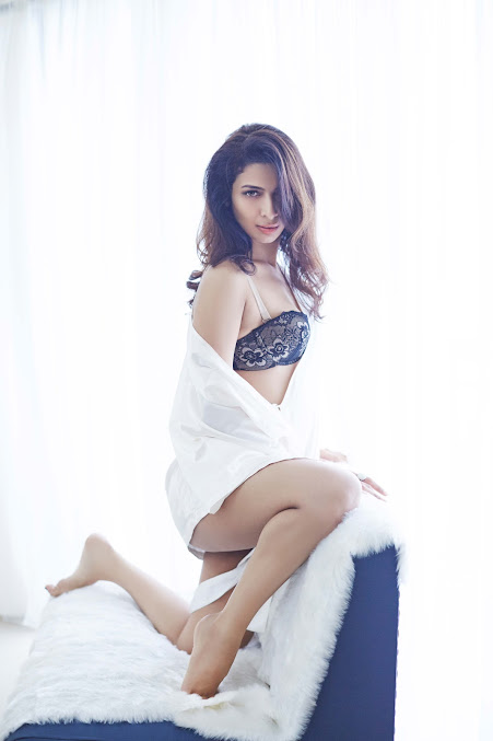 Heena Panchal sexy legs, Heena Panchal thunder thighs
