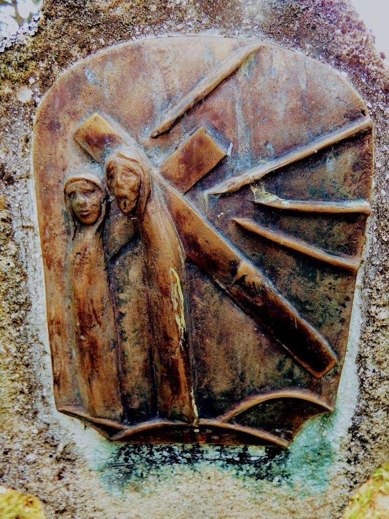 Berkenye - 14 stációs kálvária a temetőben